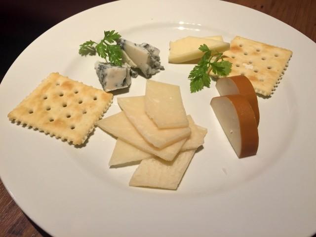 3種のチーズ盛り